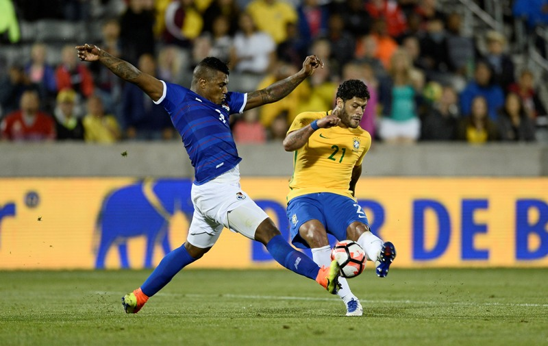 May 29, 2016; Commerce City, CO, USA; Panama defender Harold Cummings (3) blocks an attempt on goal by Brazil forward Hulk (21) in the second half of the match at Dicks Sporting Goods Park. Brazil defeated Panama 2-0. Mandatory Credit: Ron Chenoy-USA TODAY Sports - RTX2ERKO